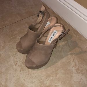 Steve Madden Karlee Blush Stilletos Size 6